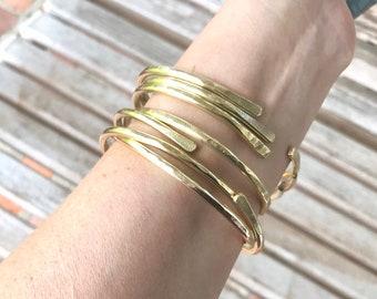 Brass bangles Textured Brass bangles Hammered Brass bangles Handmade banglesBrass wire banglesSet of 3 Stacking bracelets