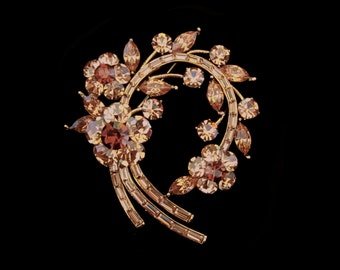 Crystal Large Flower Wreath Brooch Pin Antique Gold Tone Light Topaz Smoked Topaz Brown
