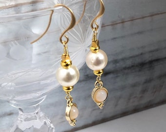 Minimalist Peal Drop Earrings, Gold and Pearl Dangle Earrings, Gold Vermeil Earrings, Blush theme, Bridesmaid Gift, Bridesmaid Earring,
