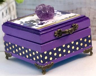 Custom Amethyst Trinket Box I Stone of Peace I Crystal Keepsake Box I Stash Box I Purple Decor I Floral Decor I Calming Gem I Astrology