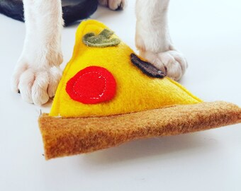 Pizza Cat Toy with Organic Catnip for kitty durably stitched with strong felt