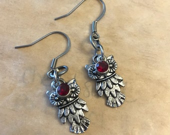 Owl earrings with red stone