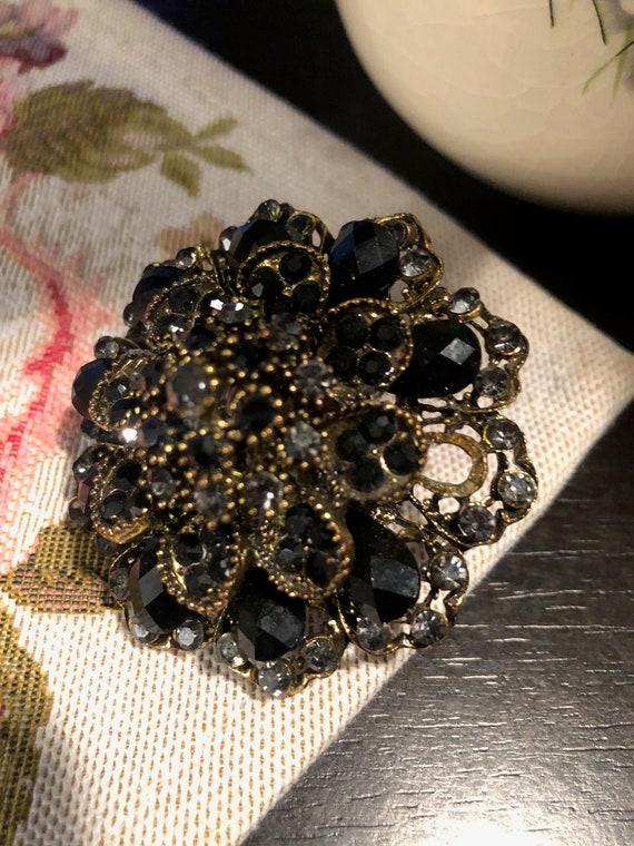 Vintage Statement Ring Black Swarovski crystals Ri