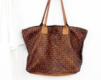 418459669b86 Handmade woven leather bag