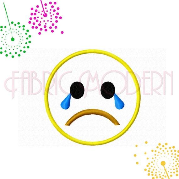 Triste Qui Pleure Applique Démoticône Visage Triste Emoji Broderie Design Collection Dessins Pour 4 X 4 Cerceaux 434