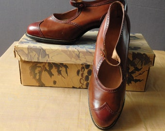 fa78849a835f Genuine 1920s two tone brown leather Mary Jane shoes