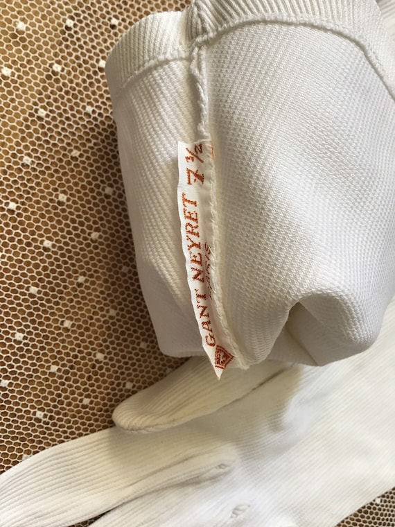 White corded cotton with stretch Art Deco gloves … - image 6