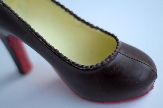 chaussure louboutin en chocolat