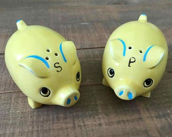 Pig Salt and Pepper Shakers, Pigs, Pig Salt and Pepper Shakers, Collectible Pigs, Pig Kitchen Decor