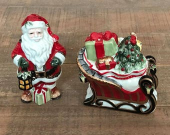 Santa and Sleigh Salt and Pepper Shakers, Christmas Salt and Pepper Shakers, Santa Claus, Christmas Kitchen
