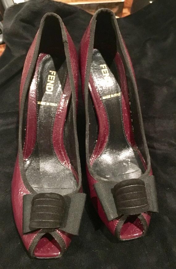 Escarpins en cuir verni rouge Fendi noir noir noir taille 6 1/2 d79476