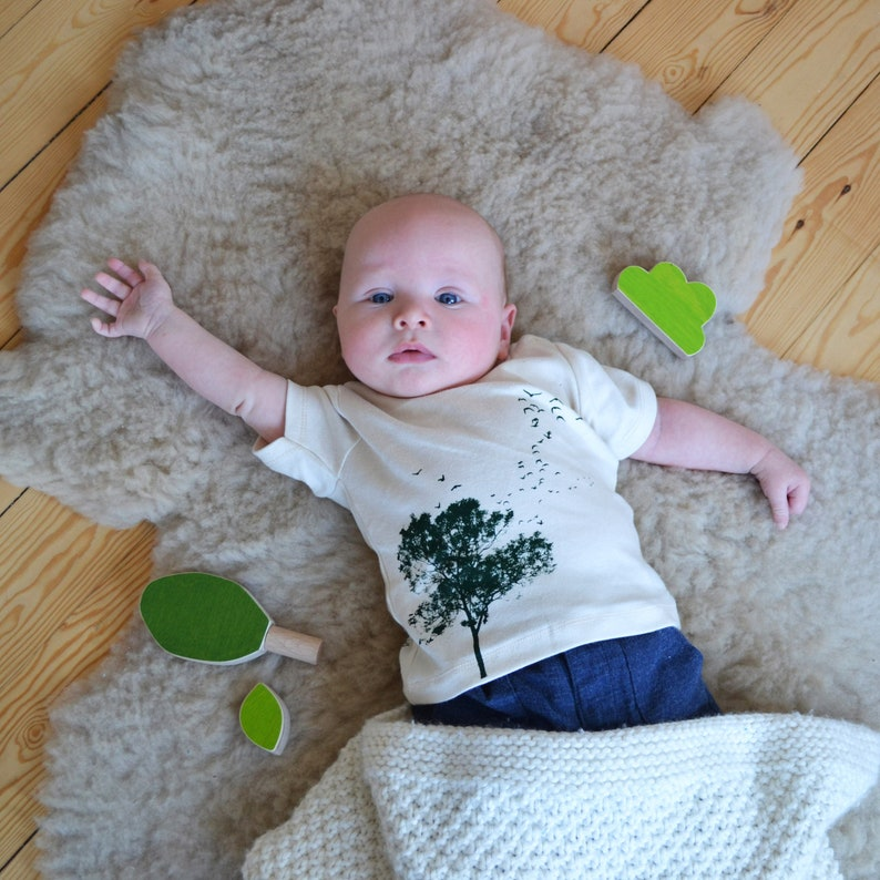 Baby T-shirt with Tree and birds Print  Natural White Organic image 0