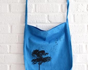 Blauwe draagtas recycled boodschappentas met boom print van Art Effect Prints - natuurliefhebber - ecologisch en fair trade