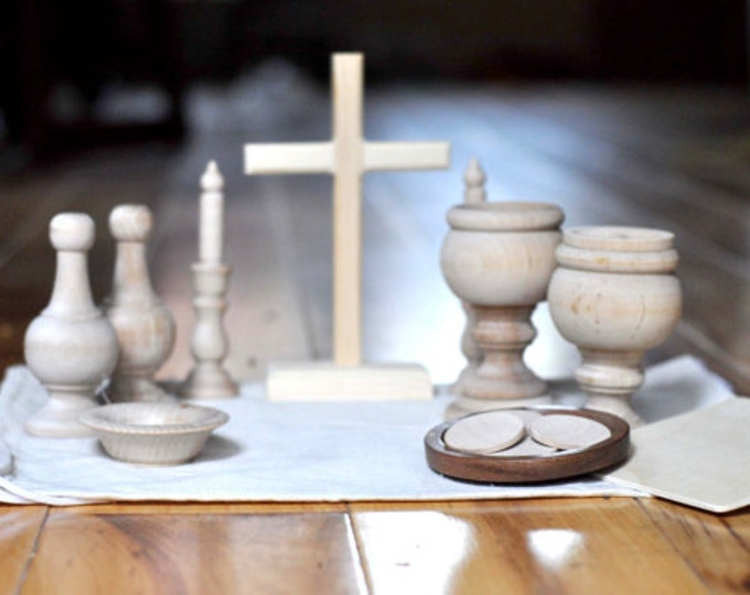 Wooden Mass Kit // Catholic toy // Catechesis of the Good Shepherd