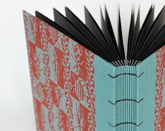 square photo album 22,5 x 22,5 cm, keepsake album, green-red photo album, photo storage, handbound photo album