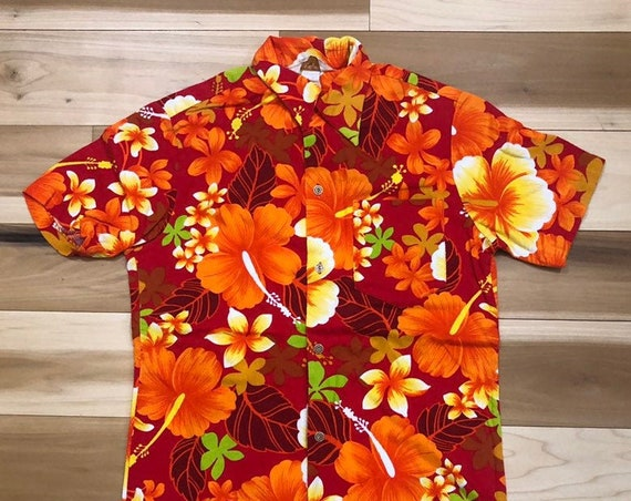 Royal 1960s Hawaiian Shirt Floral