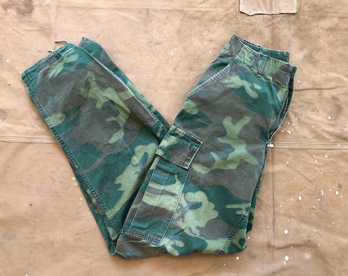 Tropical '60s Camo Pants 28 Waist