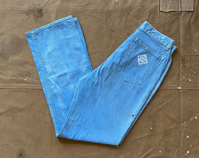 28 waist Levi's White label Jeans