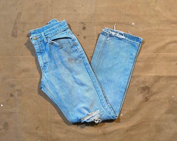 Distressed Lee jeans 28 waist