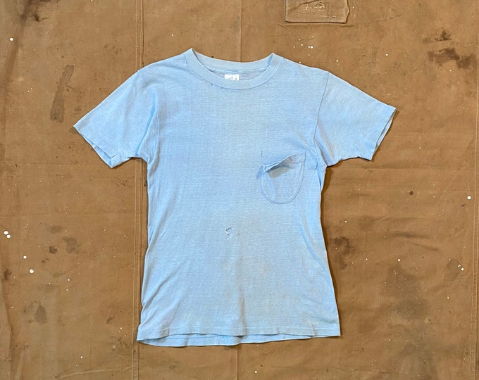 Faded 70s Pocket tee Paper thin