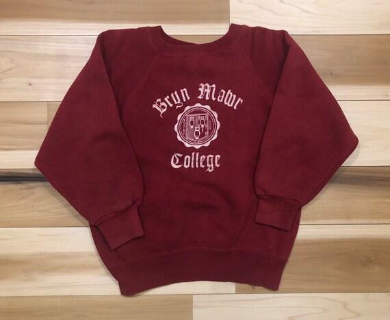 1950s Crewneck Bryn Mawr College Raglan Sweatshirt Flock print