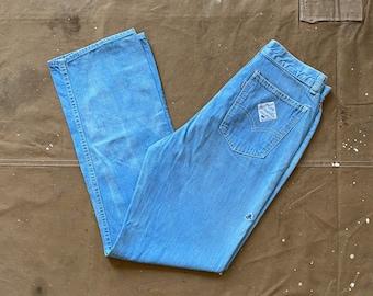 28 waist Levi's Jeans light wash