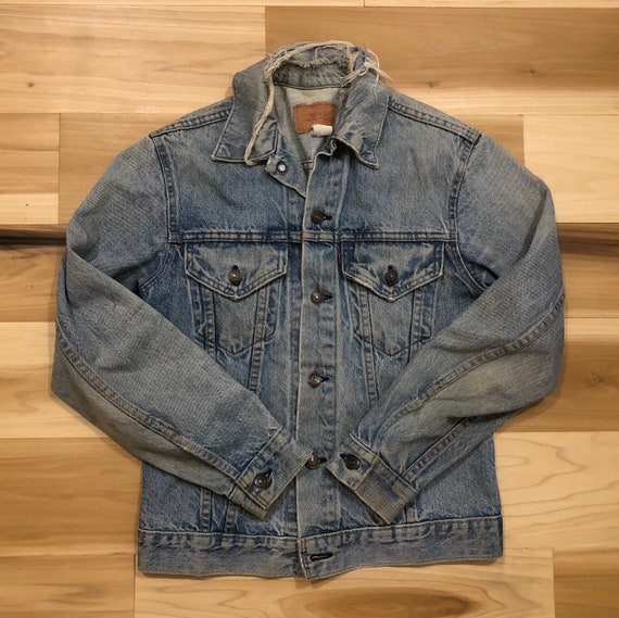 Levi's Type III Jacket Made in USA 100% Cotton Distressed