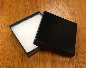 Black bracelet gift box 3-1/2 x 3-1/2 x 1 inches