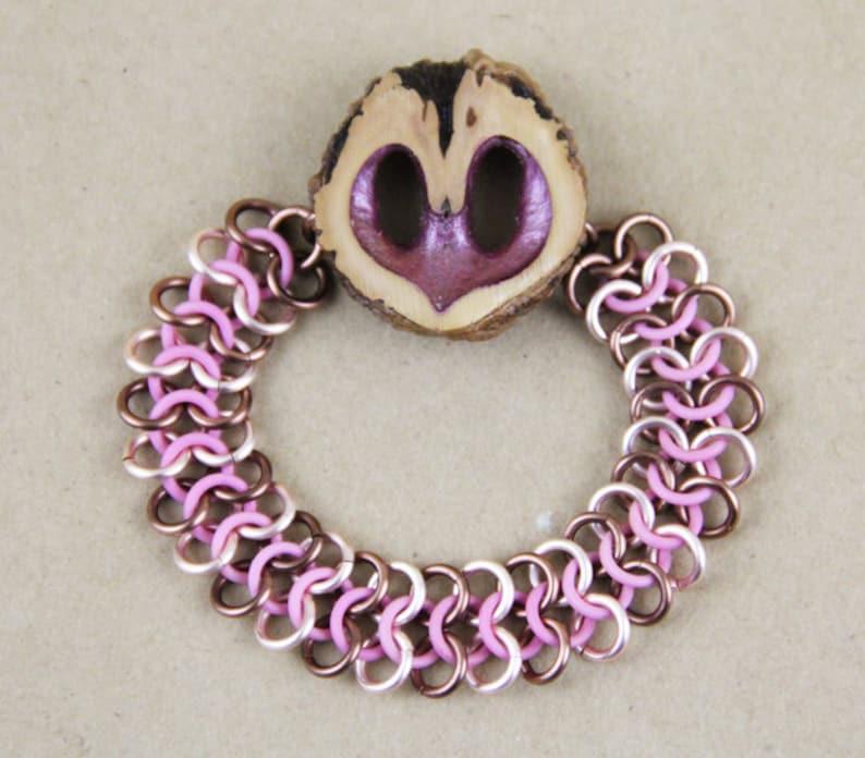 612e5b605c44 Nuez negra del corazón Rosa cota de malla pulsera con anillos