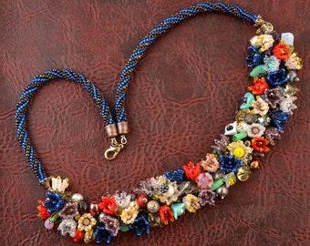 Blooming garden beadwoven necklace