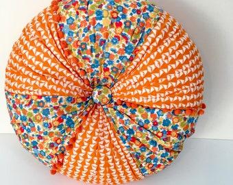 Liberty tana lawn fabric, round, buttoned cushion
