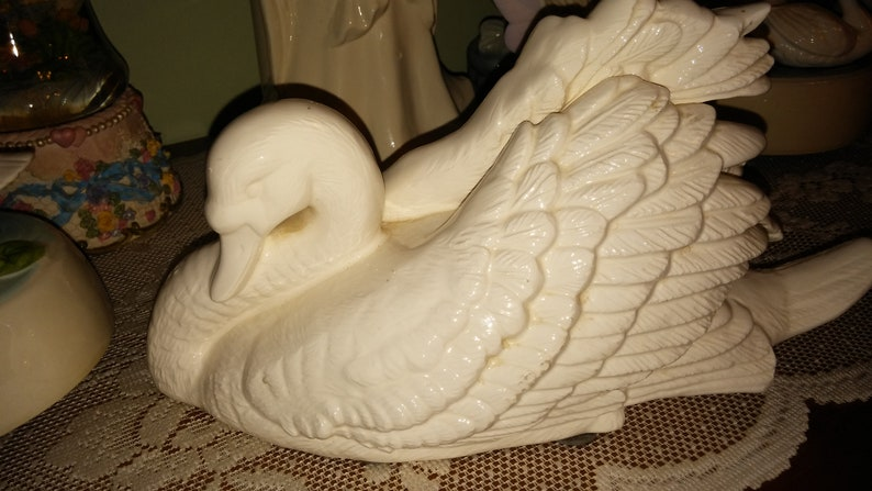 Swan Lake swan figurine music box image 0