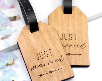 Just Married Wooden Luggage Tags, Personalized Travel Tags, Custom Wedding Gift, Couple Gift, Personalised Wooden Just Married Luggage Tags