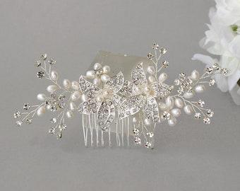 Wedding hair accessories Bridal comb Bridal rhinestone comb Flower Pearl Comb Bridal hairpiece Bridesmaids hair piece Bridesmaids comb
