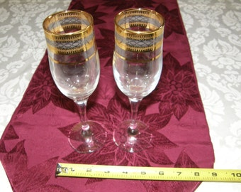 A Set of Two Gorgeous Gold and Sliver Metalic Patterned Champagne Flutes