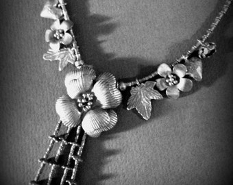 Handmade vintage necklace with flowers and hearts vintage/Collana made by hand with Flower and hearts.