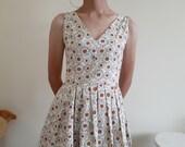Cream Floral Dress Women Flower Print Dress Pleated Mini Dress Full Skirt Dress Sleeveless V Neck Dress Rockabilly Dress Pin Up Dress Small