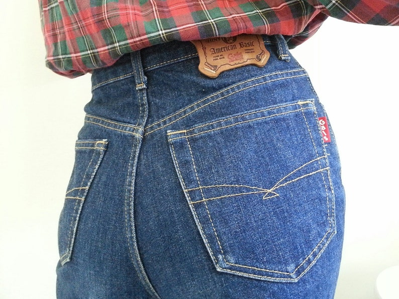 bb187c9a659 Vintage GALS from WRANGLER High Waisted Tapered Jeans Small S