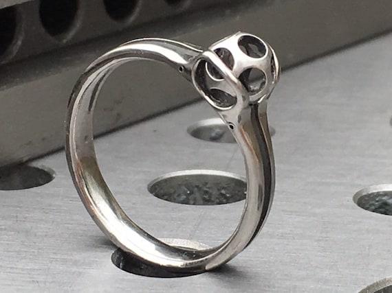 floating sphere ring