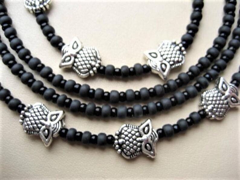 Brillenkette mit Kristall-Perlen handgefertigt in Gro/ßbritannien