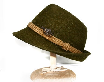 bfa89fb20e2 Gorgeous Austria Fedora Olive Green WOOL Felt Hat With Pick Ax Pin Attached  To Side Vintage Woolfelt