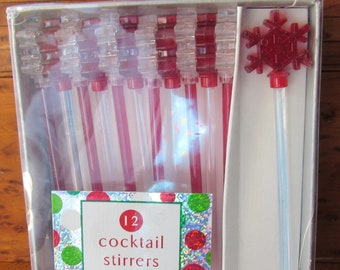 Boxed Swizzle Sticks Set Of 12, Vintage Cocktail Stirrers, Snowflake Design In Red and Clear, Farmhouse Barware