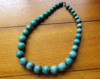 Green Wood Bead Vintage Necklace Free Shipping