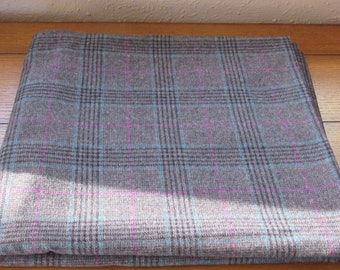 Pretty Wool Plaid Fabric Vintage Yardage For A Winter Tailored Skirt