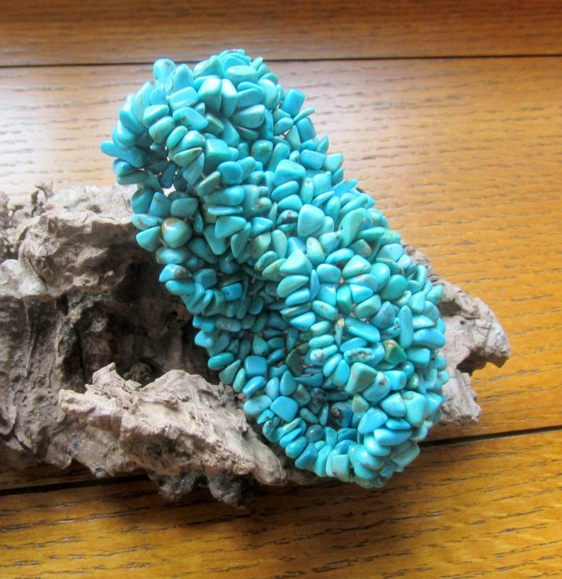 Turquoise Nugget Chip Stretch Bracelet Colorful Vintage image 0