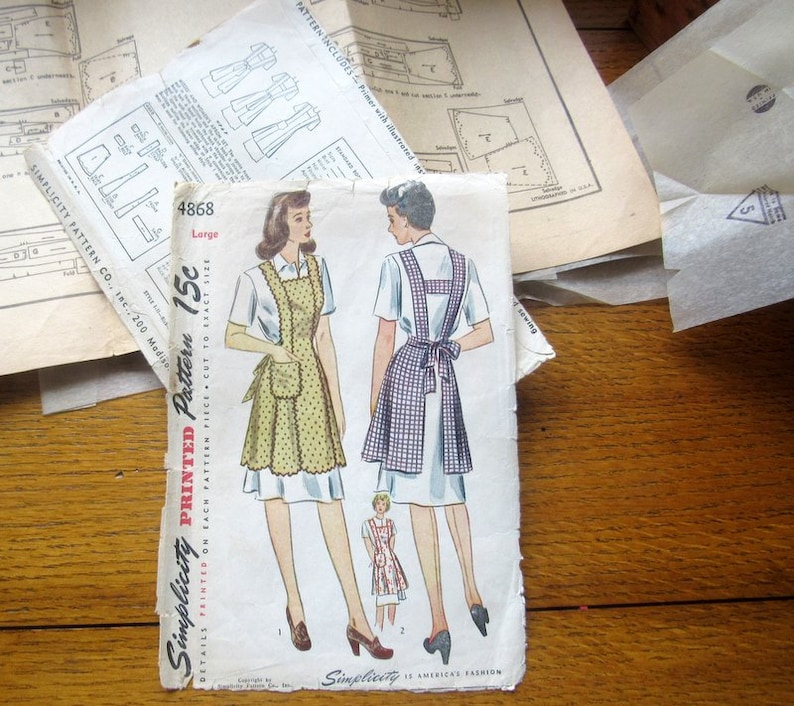 Vintage Simplicity Full Length Apron Sewing Pattern DIY 1940s image 0