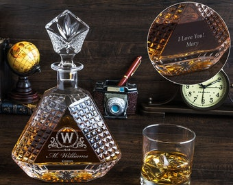 Triangle shape whiskey decanter - Optional back side engraving