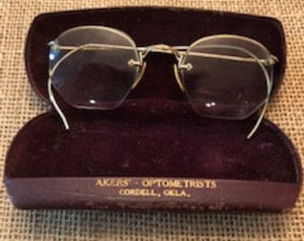 d0b0cf064660 Antique Rimless Gold Frame Eye Glasses with original Akers Optometrists  Metal case - Cordell