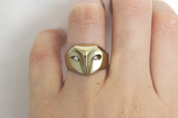 Gold Owl ring with diamonds,