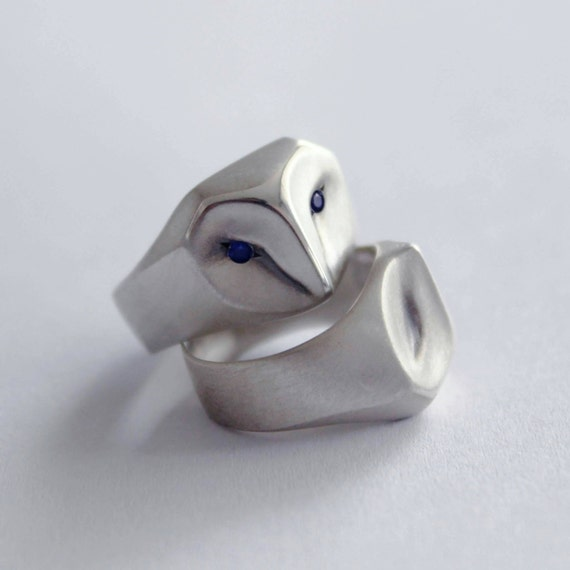 Owl Ring with Blue Sapphire Eyes, barn owl, animal jewelry, silver owl, owl jewelry, owl gift, owl Christmas gift